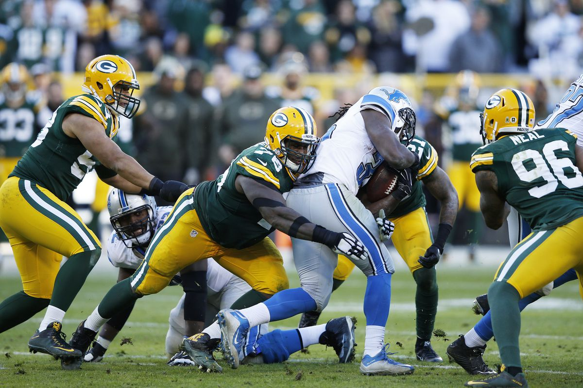 854bd2e9 Detroit Lions make Mike Daniels signing official, release Theo ...