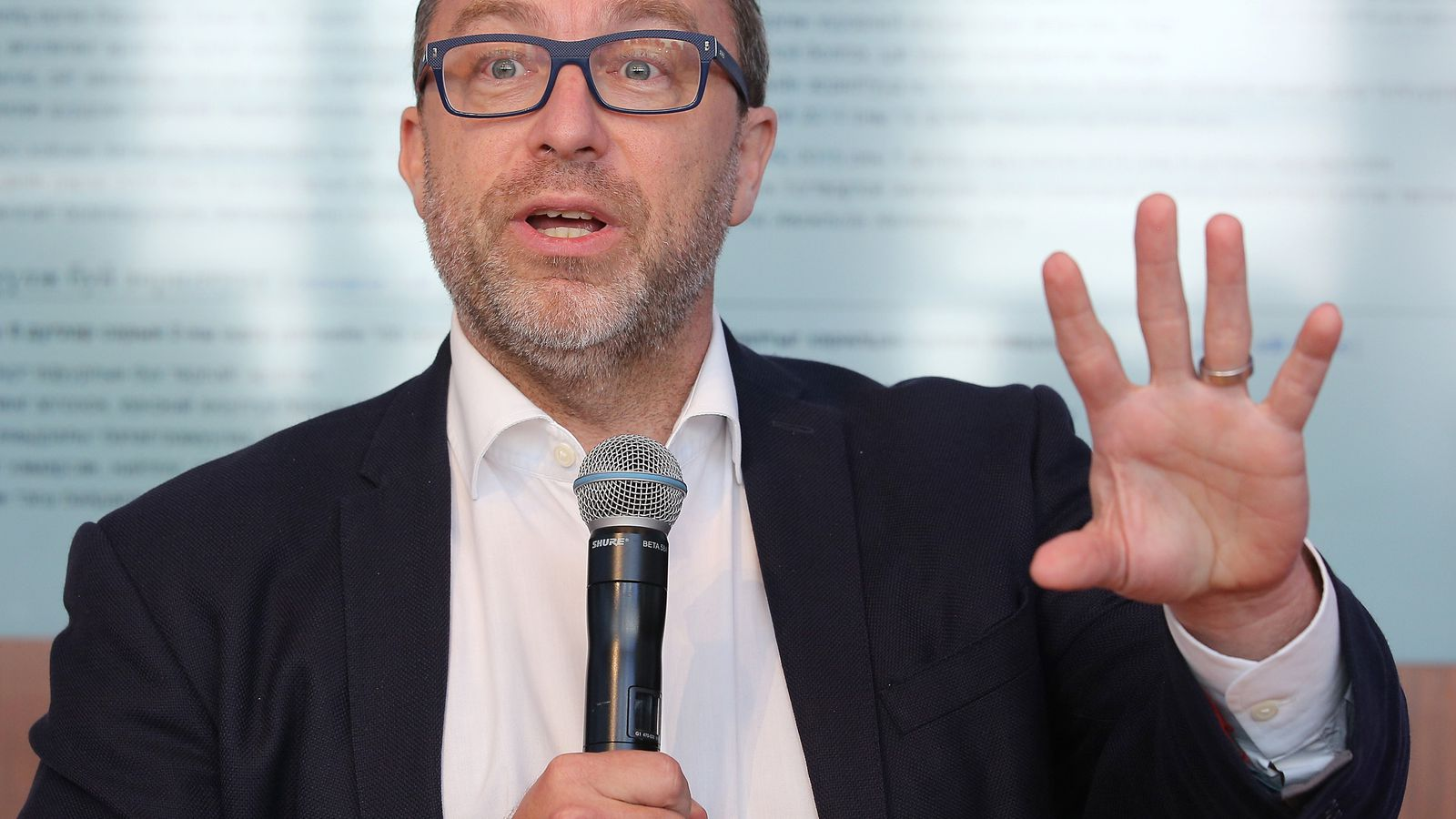 Wikipedia founder Jimmy Wales is taking on fake news with ...
