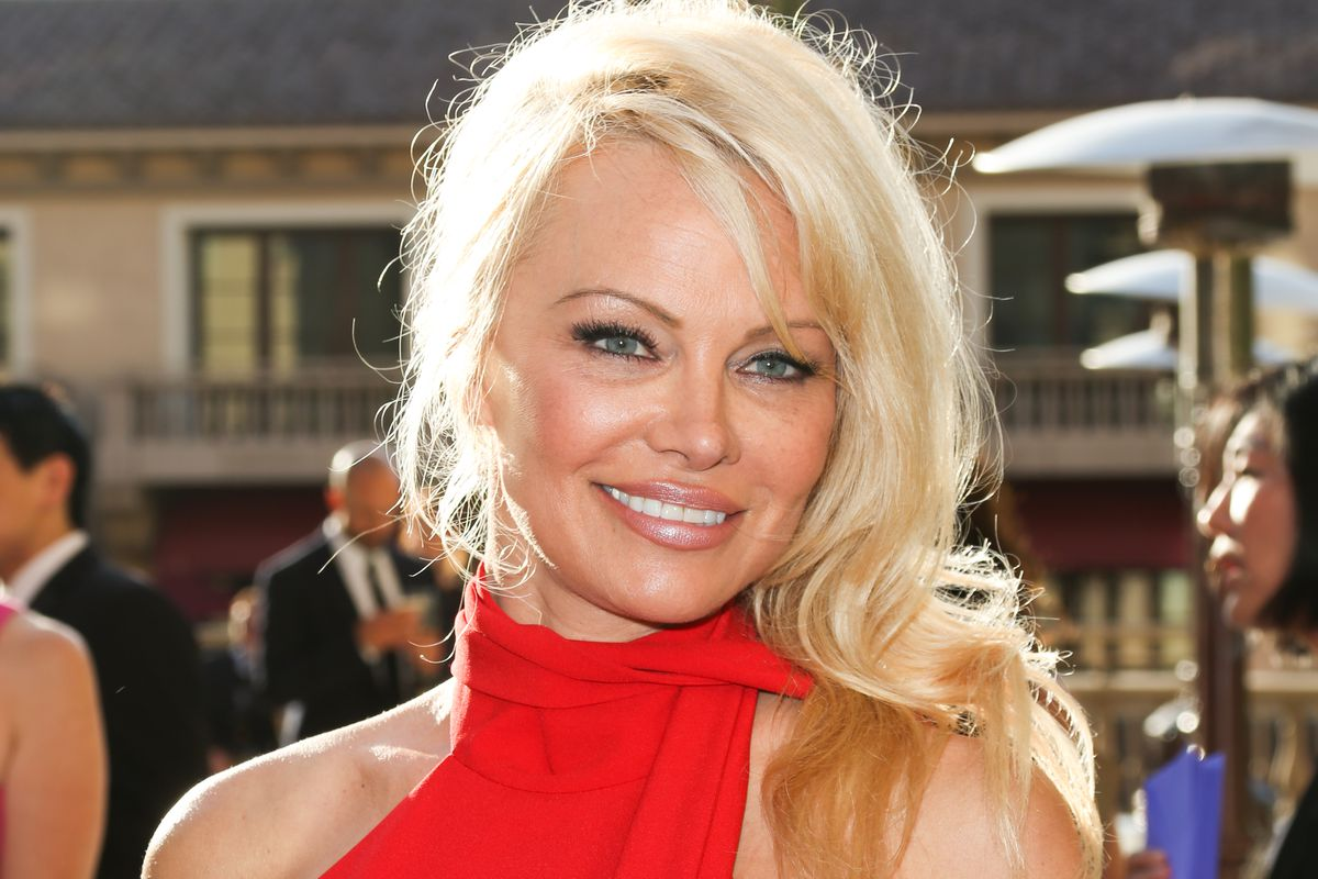 Pam Anderson Is Opening A Vegan Restaurant In The South Of