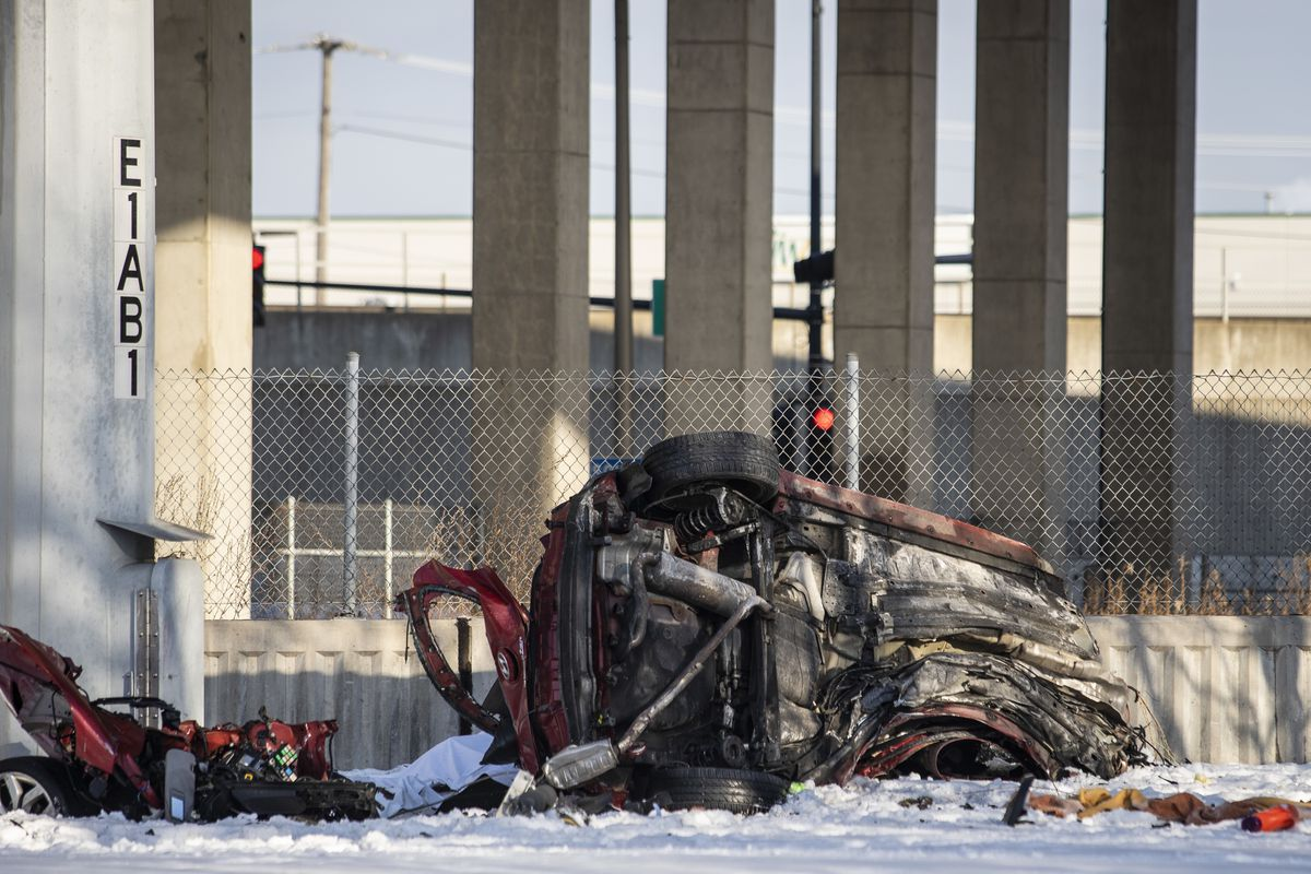 A vehicle crashed into a pole on I-55 early Friday and fell from the expressway at Robinson Street and Archer Avenue on the Southwest Side