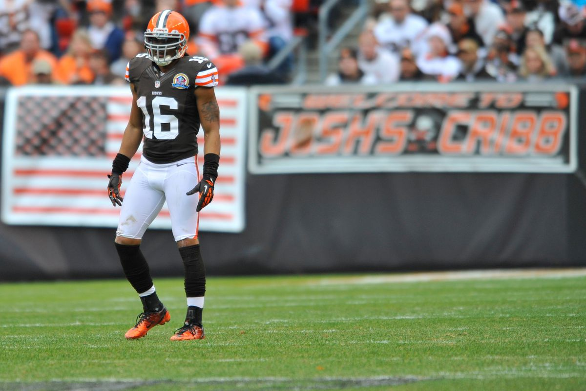 Josh Cribbs staring at another lonely Browns season