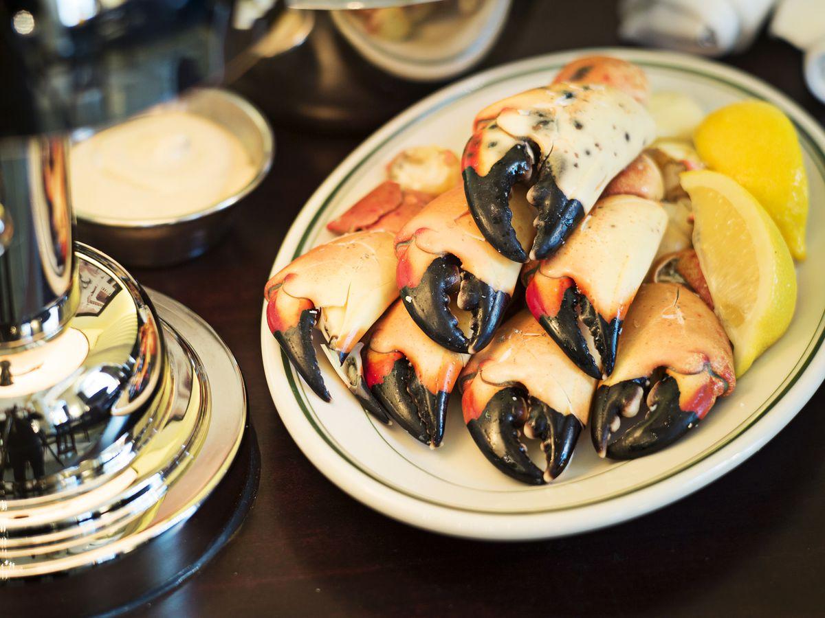 Magazine dining column on Joe's Seafood, Prime Steak & Stone Crab