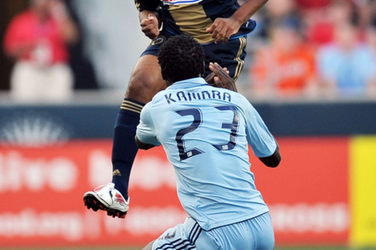 CHESTER, PA - JUNE 22:  Sheanon Williams #25 of the Philadelphia Union heads the ball over Kei Kamara #23 of Sporting Kansas City at PPL Park on June 22, 2011 in Chester, Pennsylvania. (Photo by Drew Hallowell/Getty Images)