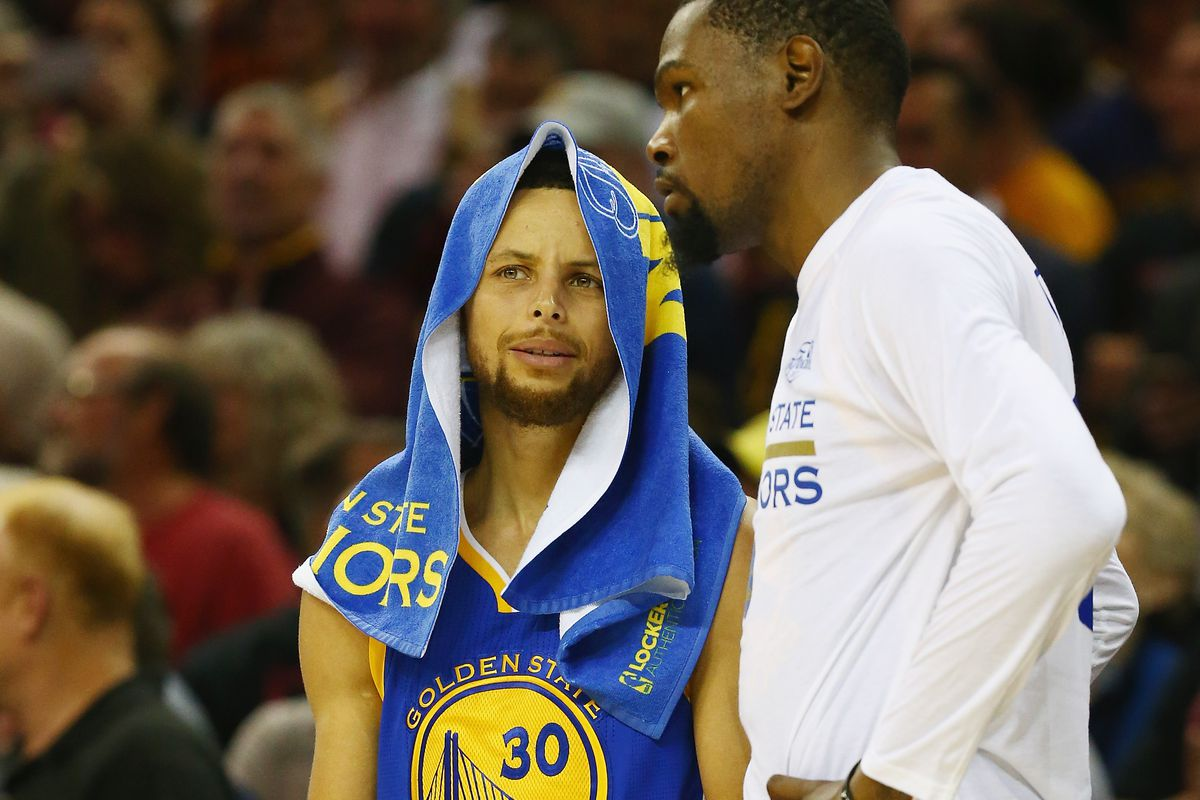 20a99062cf8 Stephen Curry and Kevin Durant agree to disagree about Under Armour ...