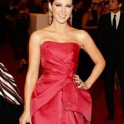 Kate Beckinsale in Alberta Ferretti