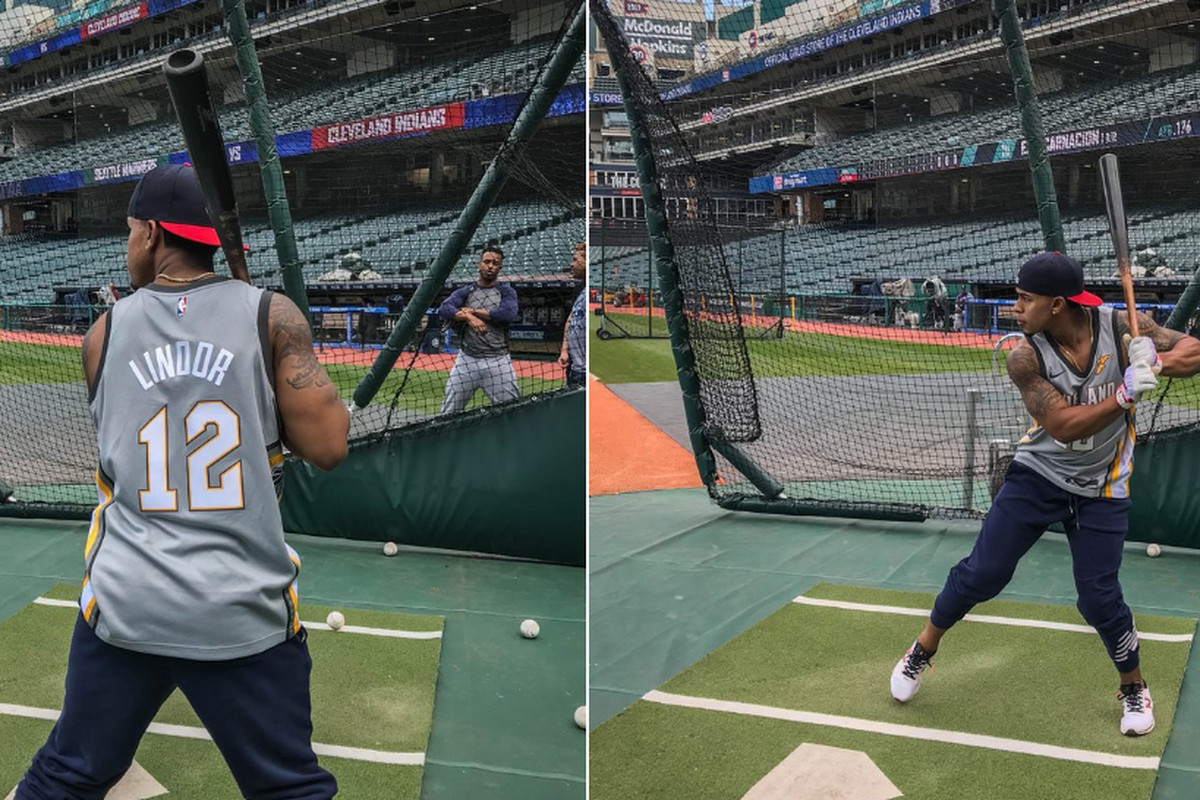 more photos ce02d 25ba7 Francisco Lindor took BP in a custom Cavs jersey then lead ...
