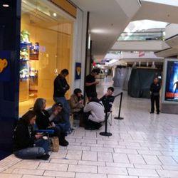 "One Stoneridge Mall in Pleasanton, California, via <a href=""http://yfrog.com/gzsjfzbj"" rel=""nofollow"">@towns</a>"