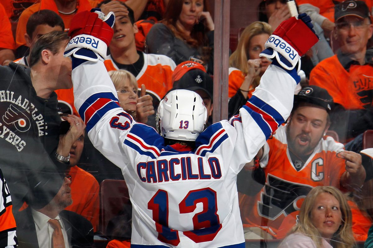 Daniel Carcillo vs. Dude In Giroux Jersey Flipping Two Birds. Brotherly love at its finest.
