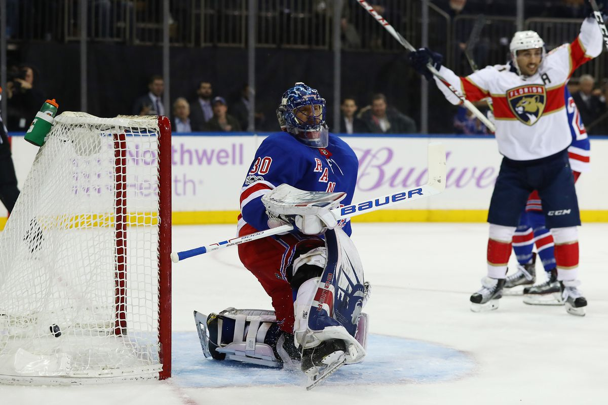 NEW YORK, NY - NOVEMBER 28:  Henrik Lundqvist #30 of the New York Rangers gives up a goal againstJamie McGinn #88 of the Florida Panthers in the first period during their game at Madison Square Garden on November 28, 2017 in New York City.  (Photo by Al Bello/Getty Images)