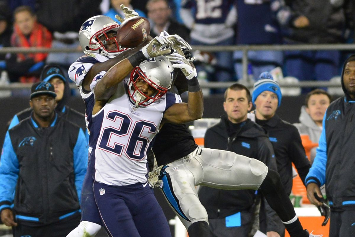 Logan Ryan and Devin McCourty keep Brandon LaFell from making a catch
