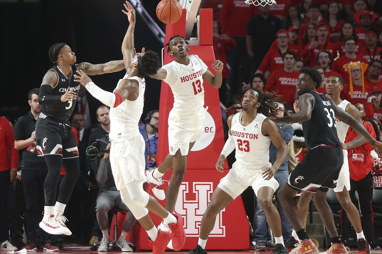 Houston has already wrapped up the top seed in the American Athletic Tournament, but the Cougars need to defeat Cincinnati to have the regular-season title all to their own.