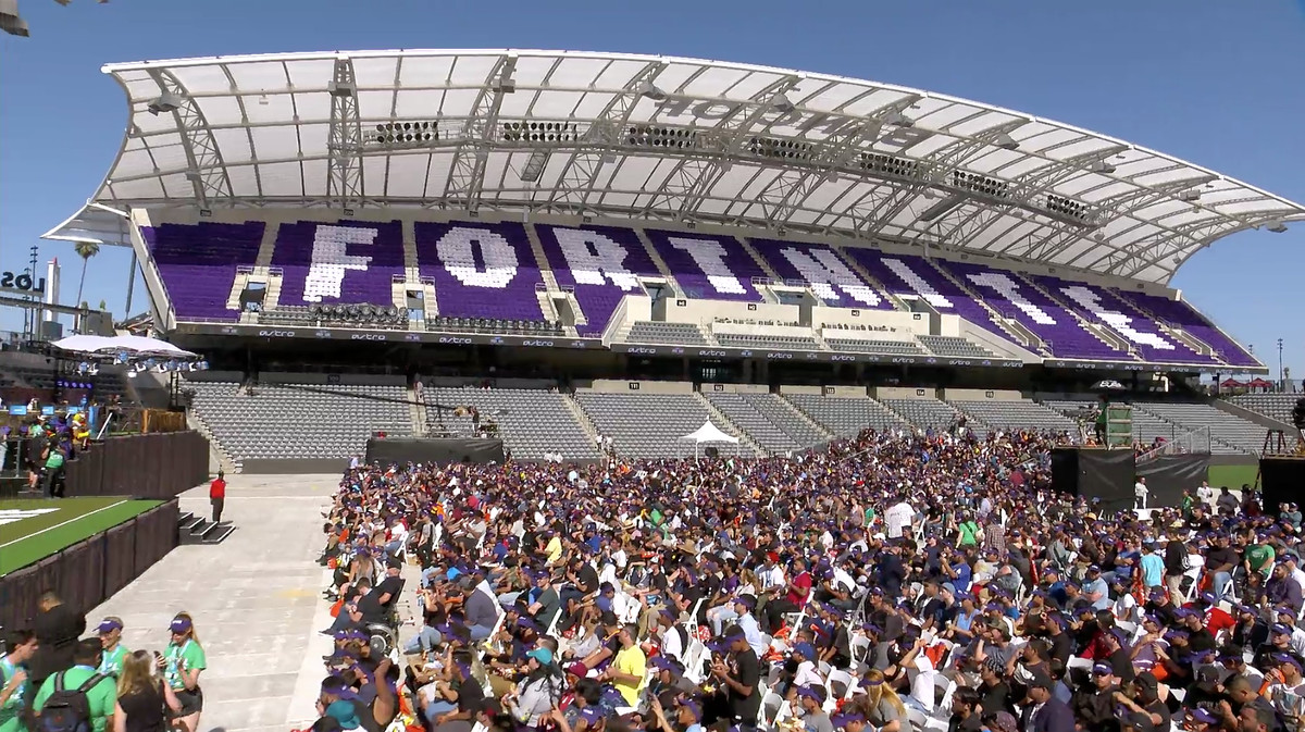 the arena was packed and fans even filled up suites in the stadium there were even treats that were fortnite themed like slurp juice a form of health - fortnite tournament 2019 new york