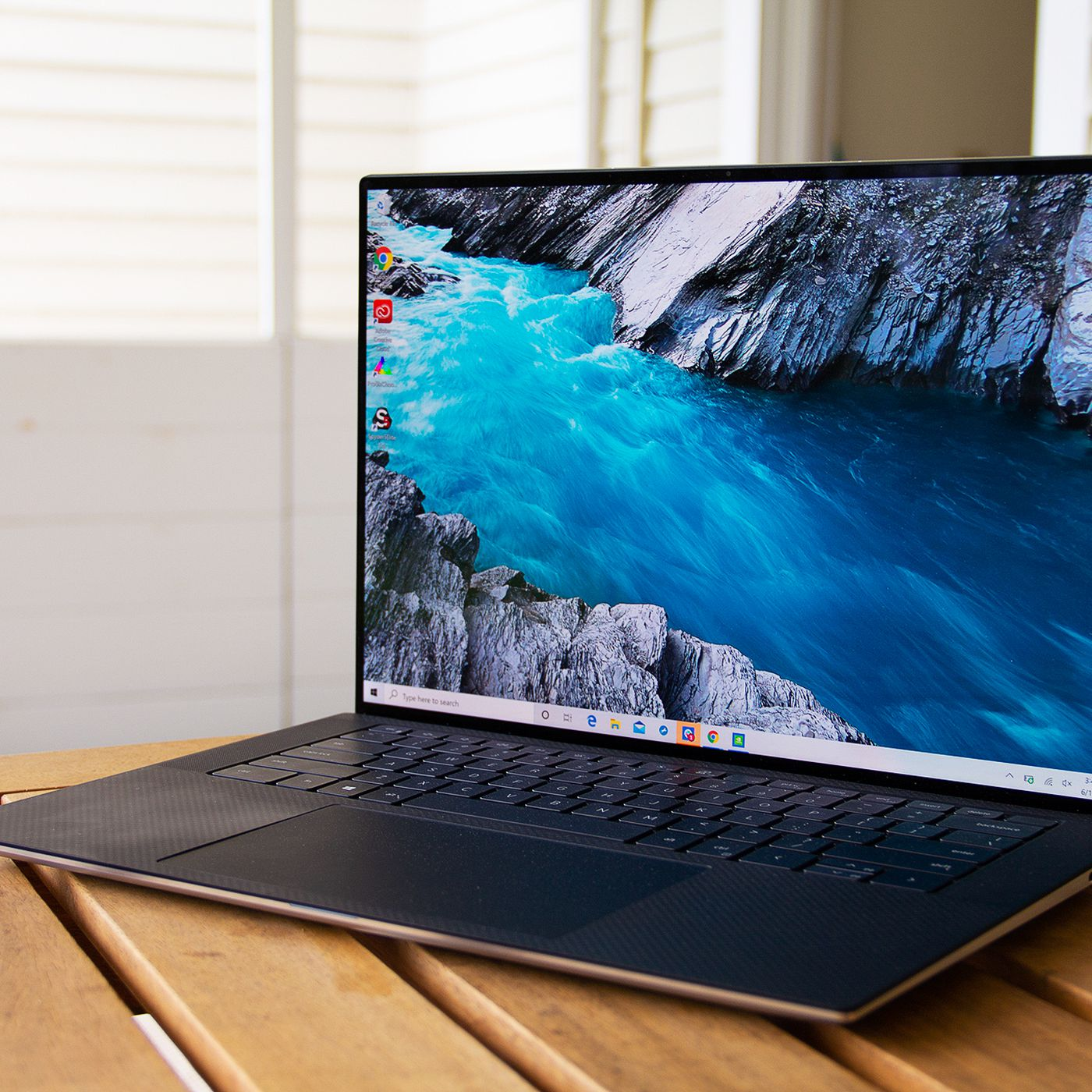 Dell Xps 15 2020 Review New Design Familiar Problems The Verge