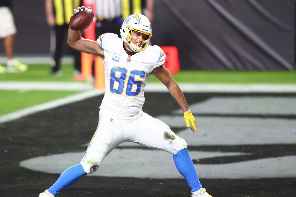Los Angeles Chargers tight end Hunter Henry (86) celebrates his touchdowns scored against the Las Vegas Raiders during the first half at Allegiant Stadium.