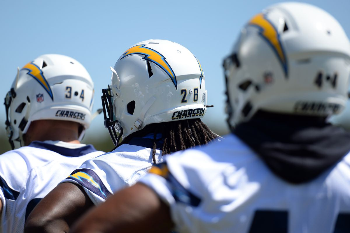 new concept 5eb94 ebe15 Uniform Schedule: Los Angeles Chargers Will Be White Hot for ...
