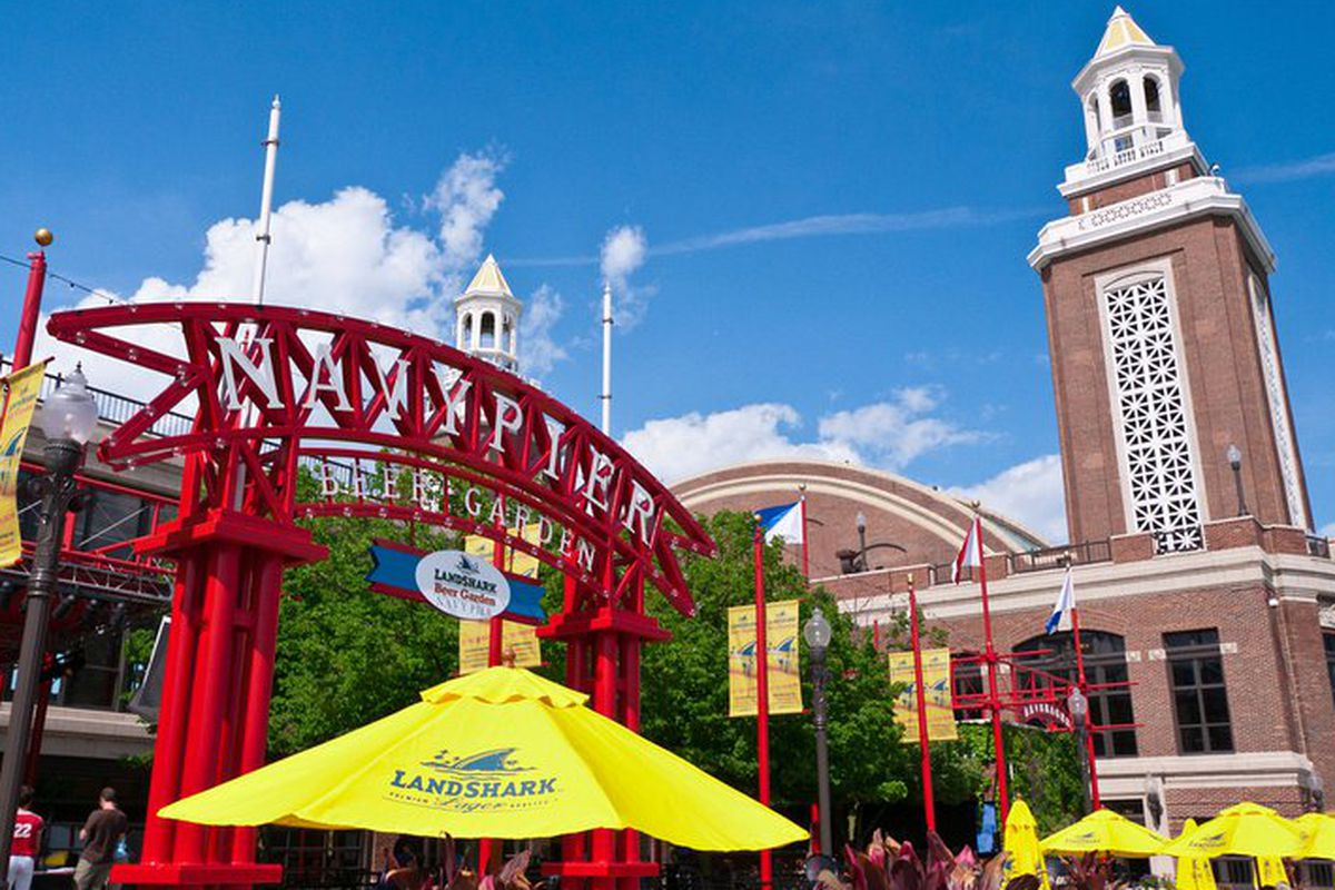 Leye Latches On At Navy Pier For Two Of A Plethora Of New