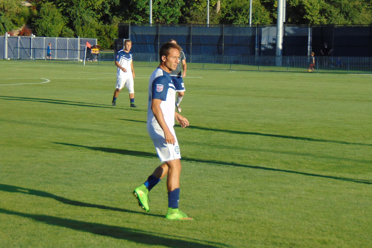 Ariel Chavez waits for the ball in his final collegiate game.