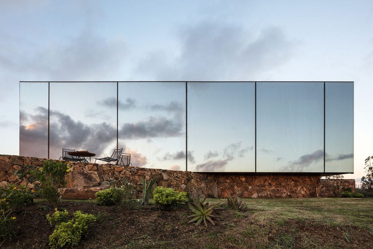 Mirrored Prefab Cabins Create A Scenic Modern Hotel In