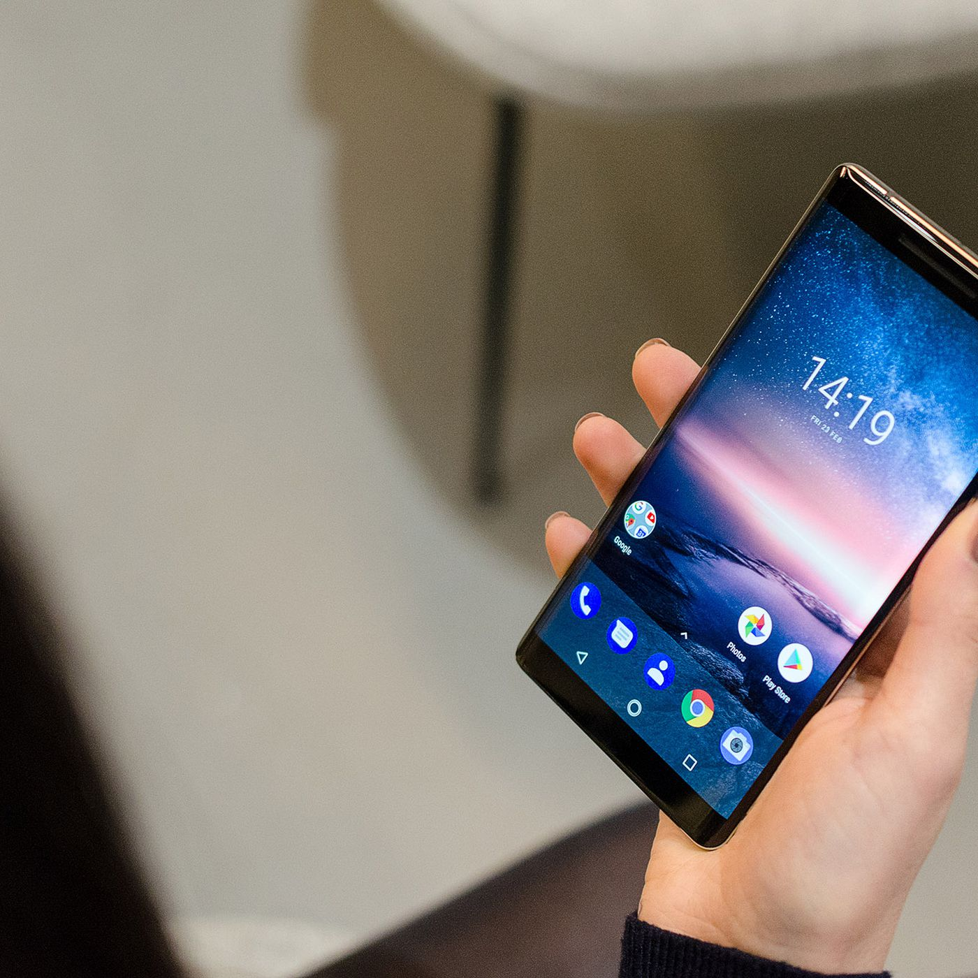 The Nokia 8 Sirocco Is A Curved Glass Android Flagship With No Headphone Jack The Verge