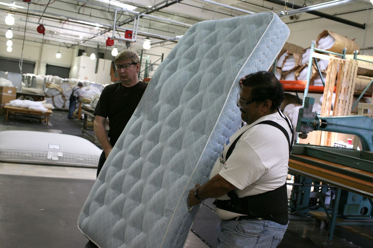 Mattress Stores Want To Rip You Off Here S How To Fight