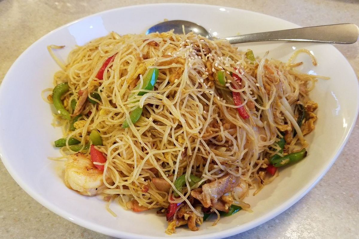 Singapore noodles at Wendy's Noodle House