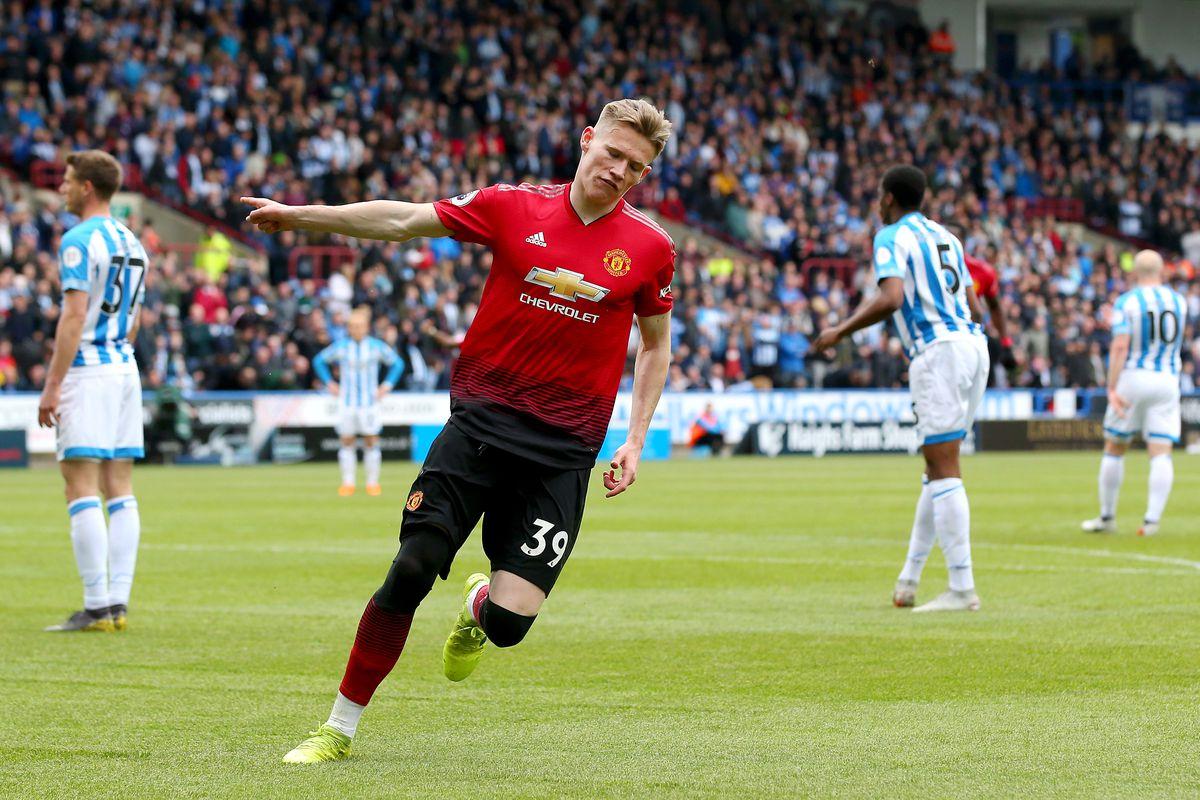 Huddersfield Town v Manchester United - Premier League