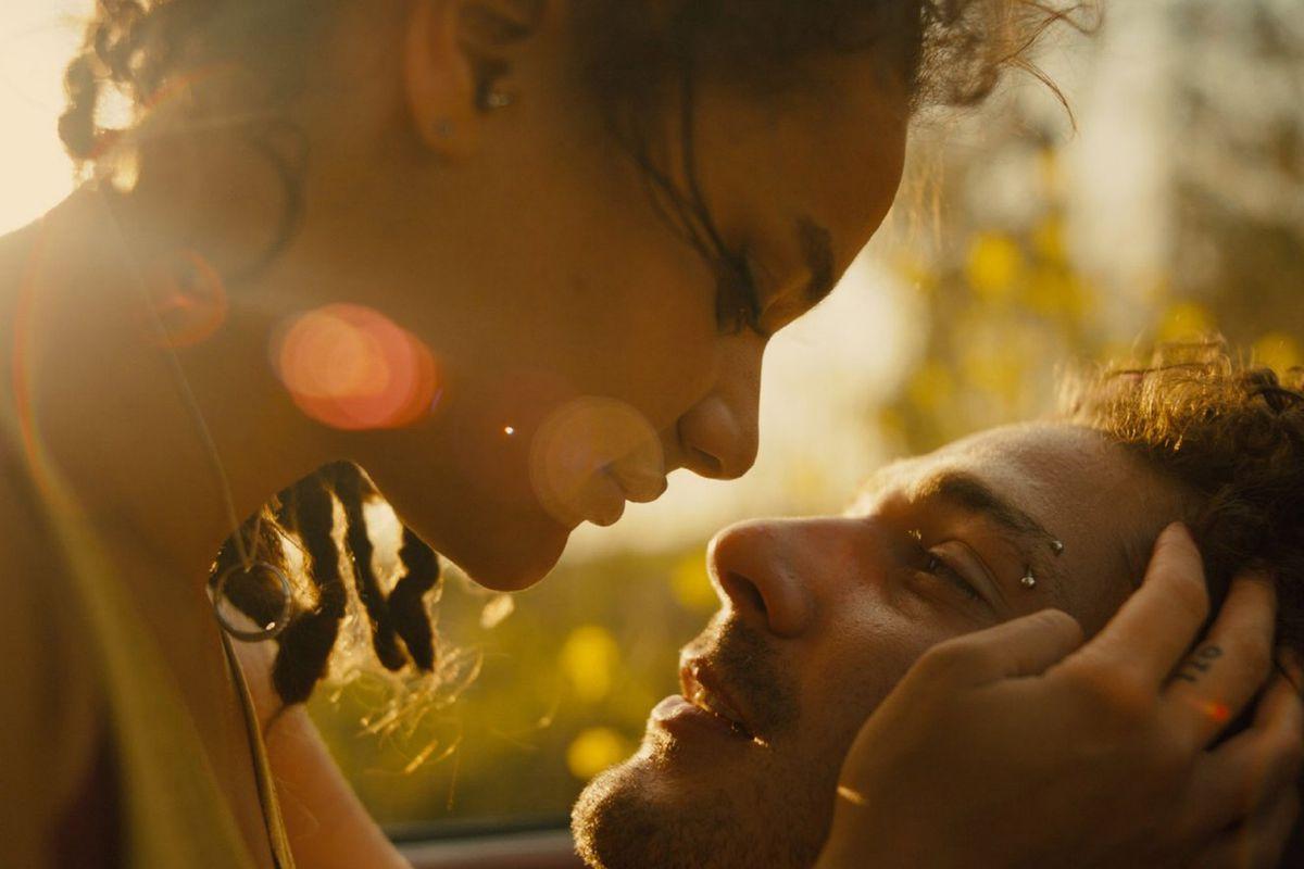 Sasha Lane and Shia LaBeouf star in 'American Honey'