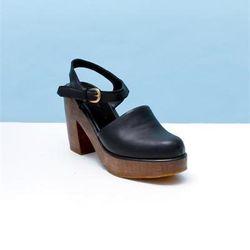 "<a href=""http://shop.creaturesofcomfort.us/rachel-comey-krill-platform-sandals-blackleather.aspx"">Krill Platform Sandals</a>, $314.30 (was $449)"