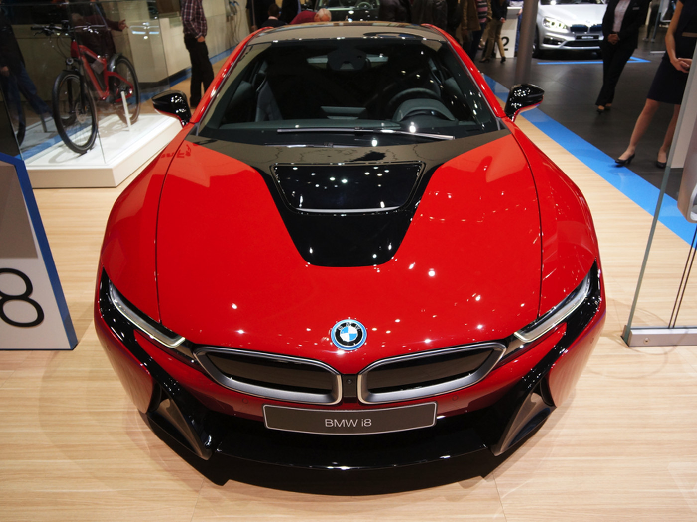 Bmw S I8 Is Even Prettier In Protonic Red The Verge