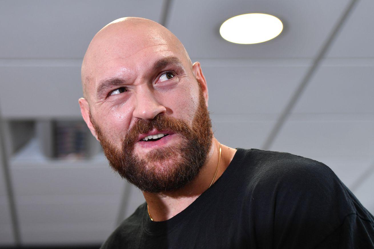 1008349856.0 - Fury '100 million percent confident' he beats Joshua