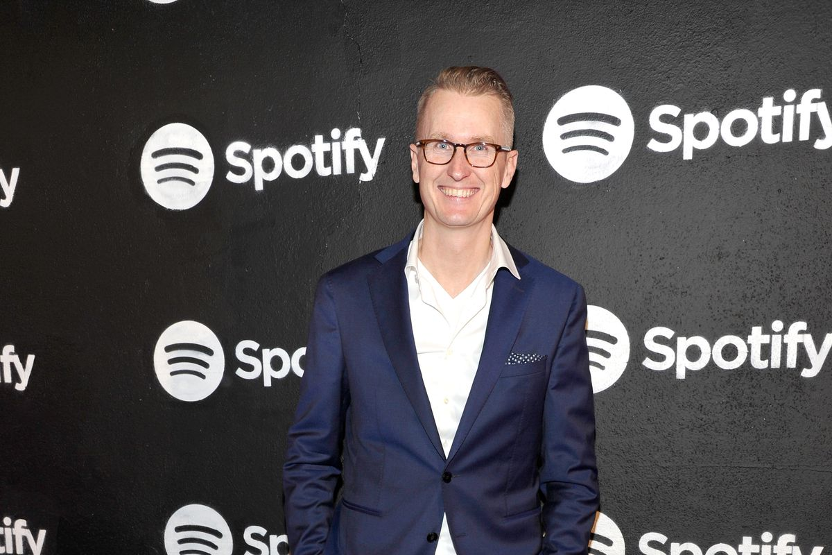 Spotify tops 70 million paying users