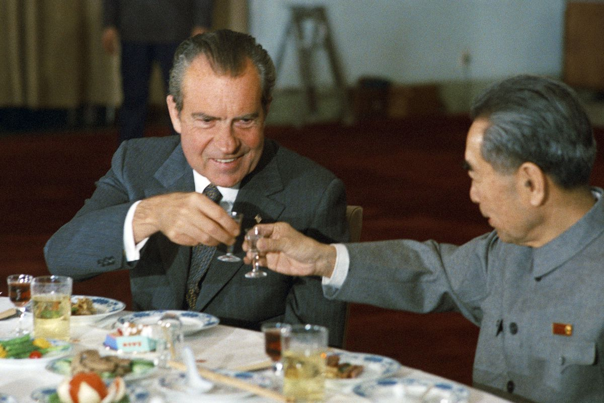 President Richard Nixon (USA) toasts Zhou Enlai the Chinese Prime Minister during a state banquet in Beijing in1972.