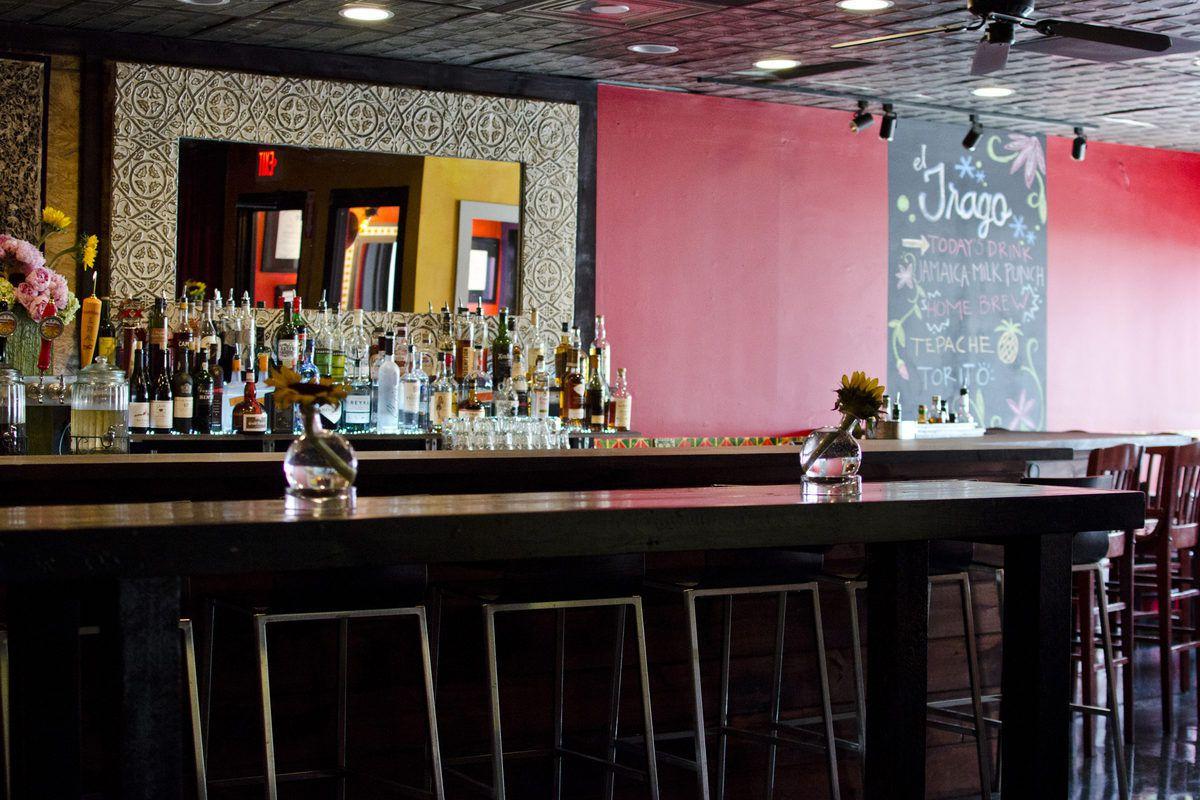 The bar at Olé