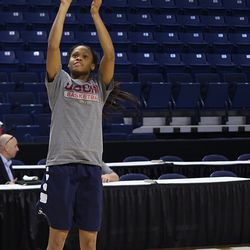UConn's Moriah Jefferson shoots the ball during a drill.