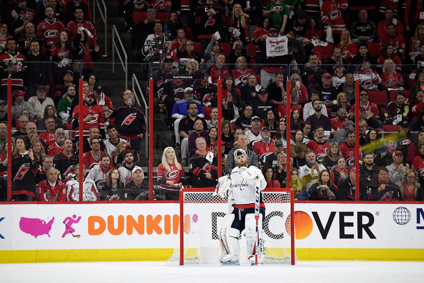 969be762a00 Hurricanes dominate Capitals in Game 3