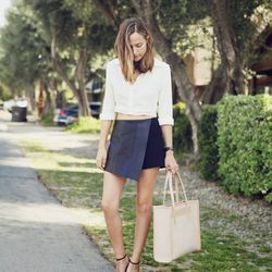 """Bethany of <a href=""""http://www.bethanystruble.com""""target=""""_blank"""">Snakes Nest</a> is wearing a d.RA top, a Fifteen Twenty skirt, a Graf & Lantz bag, Shoemint shoes, a Daniel Wellington watch and a Dogeared necklace."""