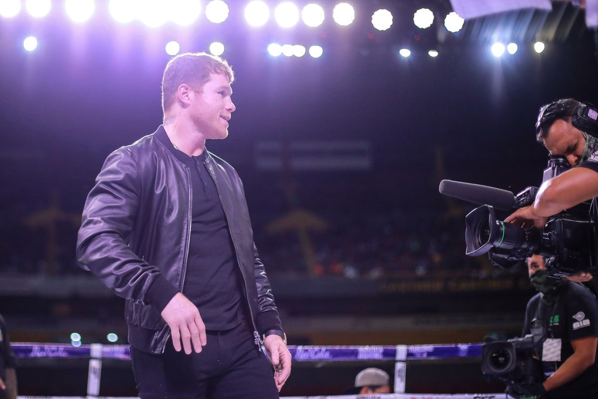 """Saul """"Canelo"""" Alvarez, gestures during a fight as part of the Tribute to the Kings at Jalisco Stadium on June 19, 2021 in Guadalajara, Mexico."""