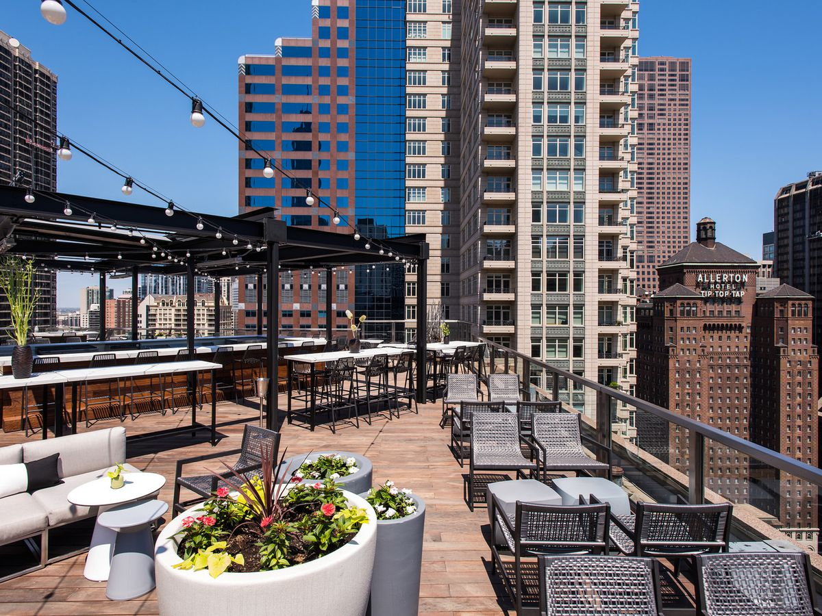 15 New Spots for Chicago\'s Patio Season, 2017 Edition