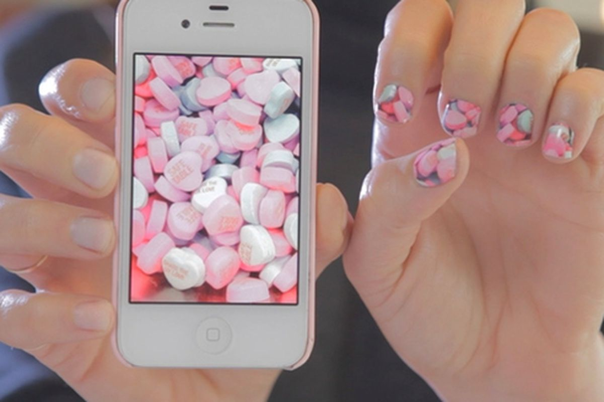 """Image via <a href=""""https://www.kickstarter.com/projects/angelanderson/nailsnaps-turn-your-photos-into-nail-polish-sticke"""">NailSnaps</a>"""