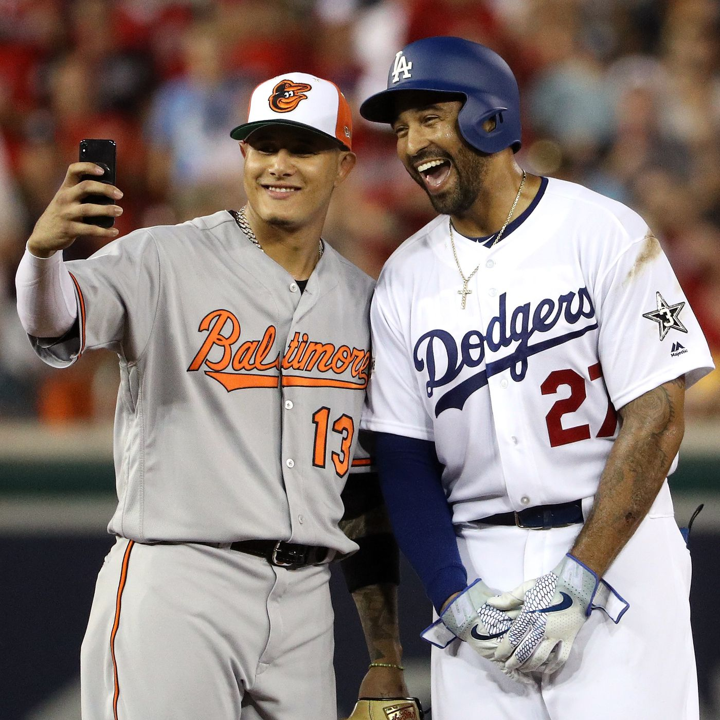 sale retailer 9a29e 2253c MLB Trade Rumors: Manny Machado traded to Dodgers, Yankees ...