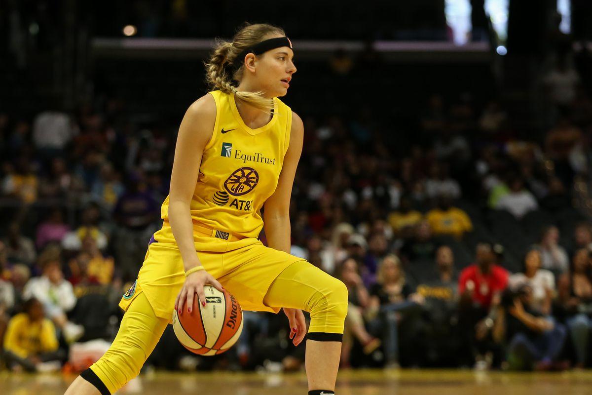 WNBA: AUG 25 Connecticut Sun at Los Angeles Sparks