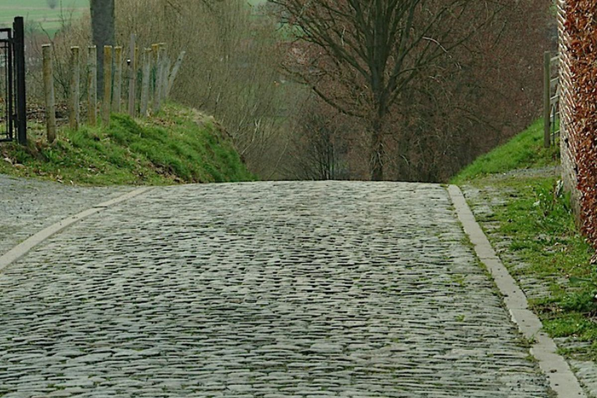 For the Love of the Cobbles - A Journey Inside Cycling's Cobbled Classic Racing Season, and a Ride Across the Hard Surfaces of Belgium and France, by Chris Fontecchio