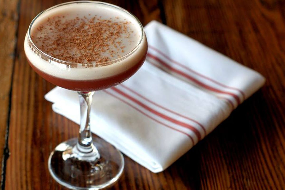 A frothy new cocktail at Abejas