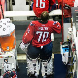 Holtby Starts to Look On