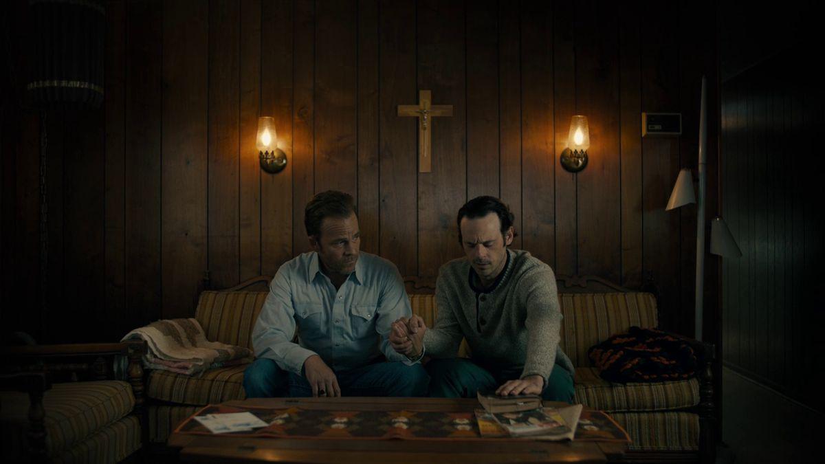 True Detective season 3 Roland and Tom praying