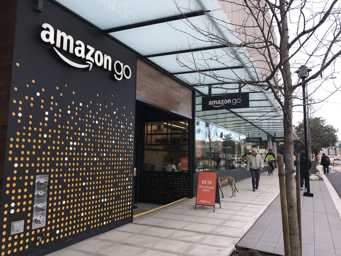 Amazon's cashierless Go stores could be a $4 billion business by 2021, new research suggests - Vox