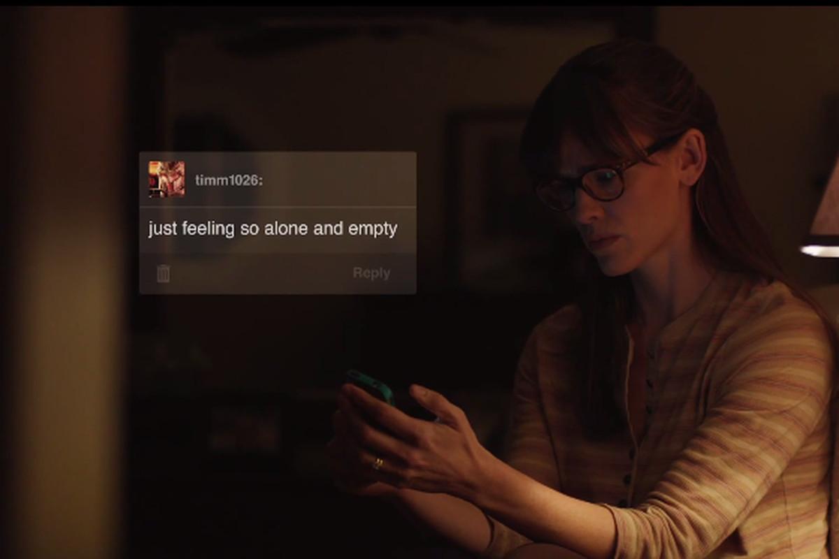 Jennifer Garner texting in the upcoming movie Men, Women, & Children