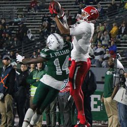 David Moore catching the ball that would set up Ball State's second and last touchdown.<br>