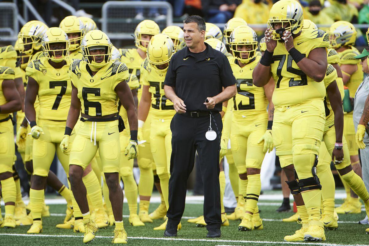 NCAA Football: Stony Brook at Oregon