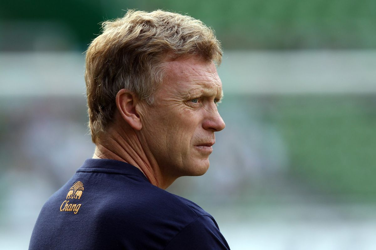 BREMEN, GERMANY - AUGUST 02:  David Moyes, head coach of Everton looks on before the pre season friendly match between SV Werder Bremen and Everton at Weser Stadium on August 2, 2011 in Bremen, Germany.  (Photo by Martin Rose/Bongarts/Getty Images)